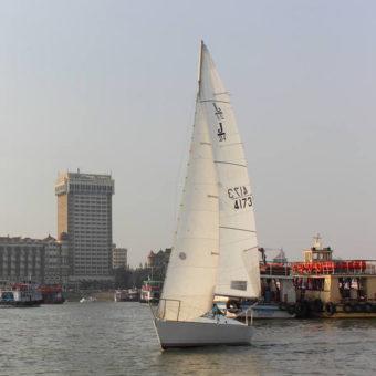 Sailing at Gateway of India, Mumbai (J24 Class Sailboat)