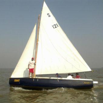 Sailing in Mumbai at Gateway of India on Seabird Class Sailboat