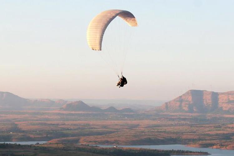 Paragliding in Kamshet (Acro Tandem)