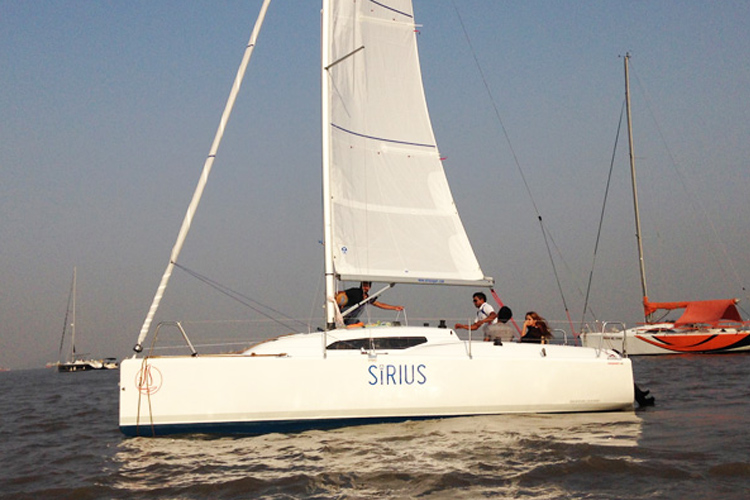 Sailing at Gateway of India, Mumbai, Fareast 26 Yacht