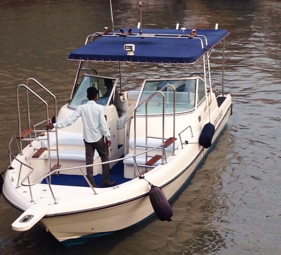 Speedboat Cruise At Gateway Of India Mumbai Gulf Craft 31