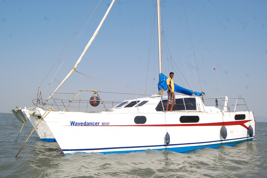 Sailing at Gateway of India, Mumbai (Wave Dancer Catamaran Yacht)