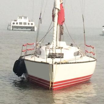 X 372 Yacht Mumbai Gateway of India