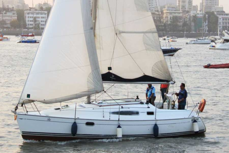Sailing at Gateway of India, Mumbai (Jeanneau 29 Yacht)