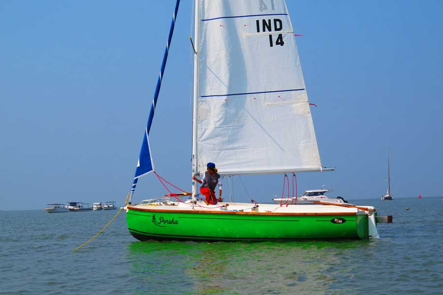 Sailing at Gateway of India, Mumbai (XS 63 Sailboat - 8 Seater)