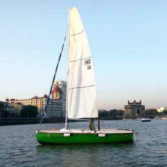 Sailing at Gateway of India, Mumbai (XS 63 Sailboat - 8 Seater)