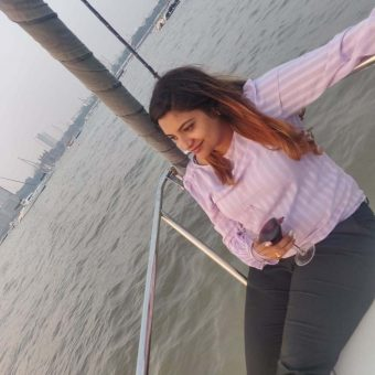 Dolly Singh's Review for Sailing at Gateway of India, Mumbai (MacGregor 26 Sailboat)