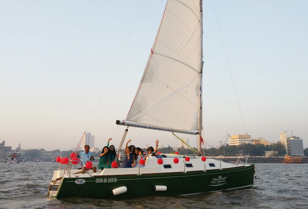 Sailing at Gateway of India, Mumbai (XS 26 Yacht)