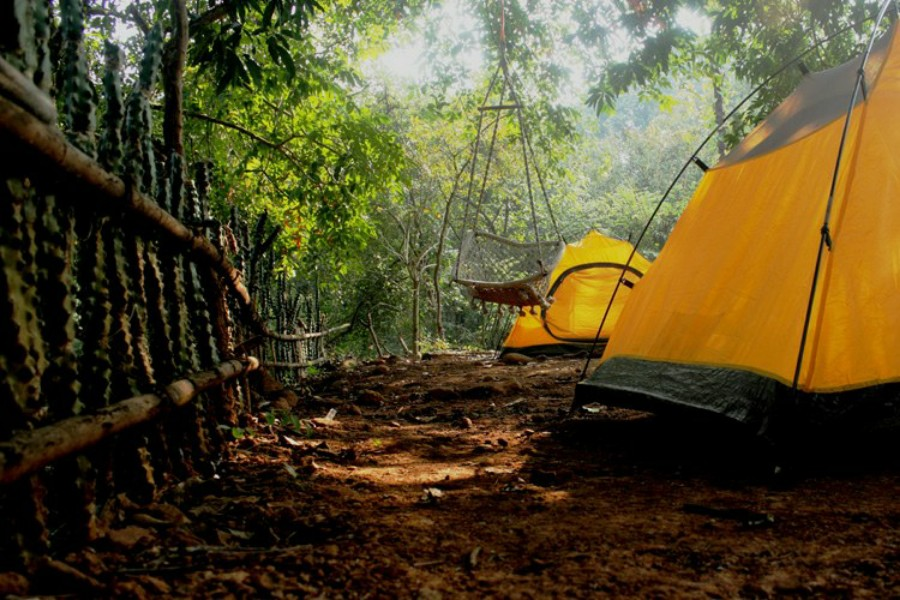 Camping in Kolad