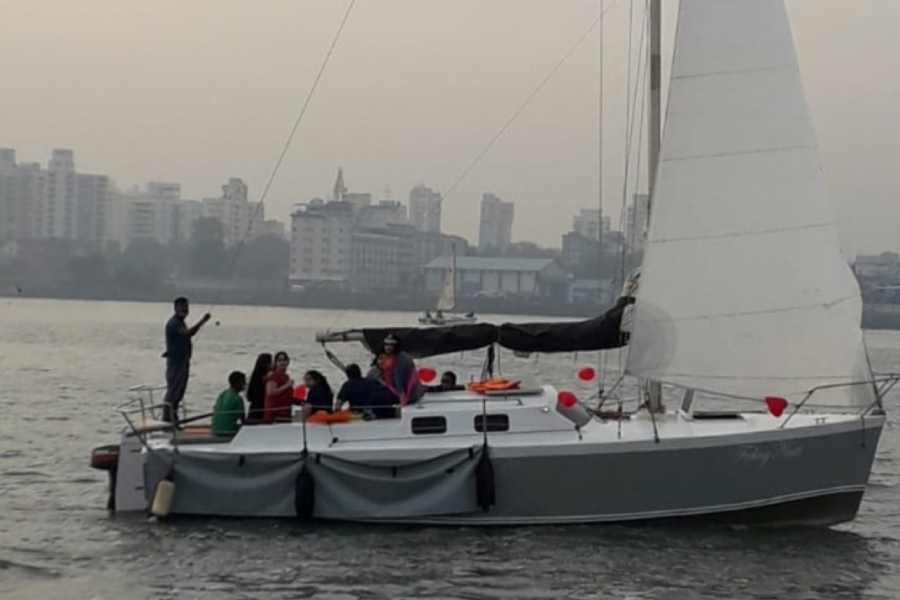 VG 30 Yacht – Sailing at Gateway of India, Mumbai