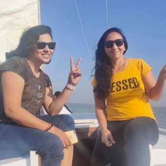 VG 30 Yacht - Sailing at Gateway of India Mumbai