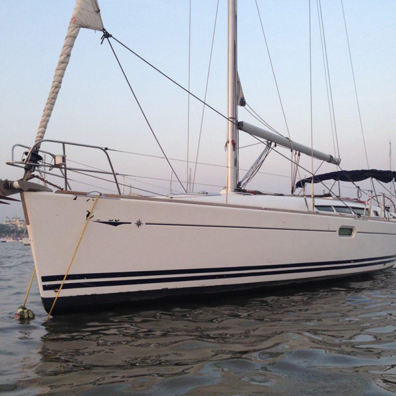 Jeanneau 45 Yacht Mumbai