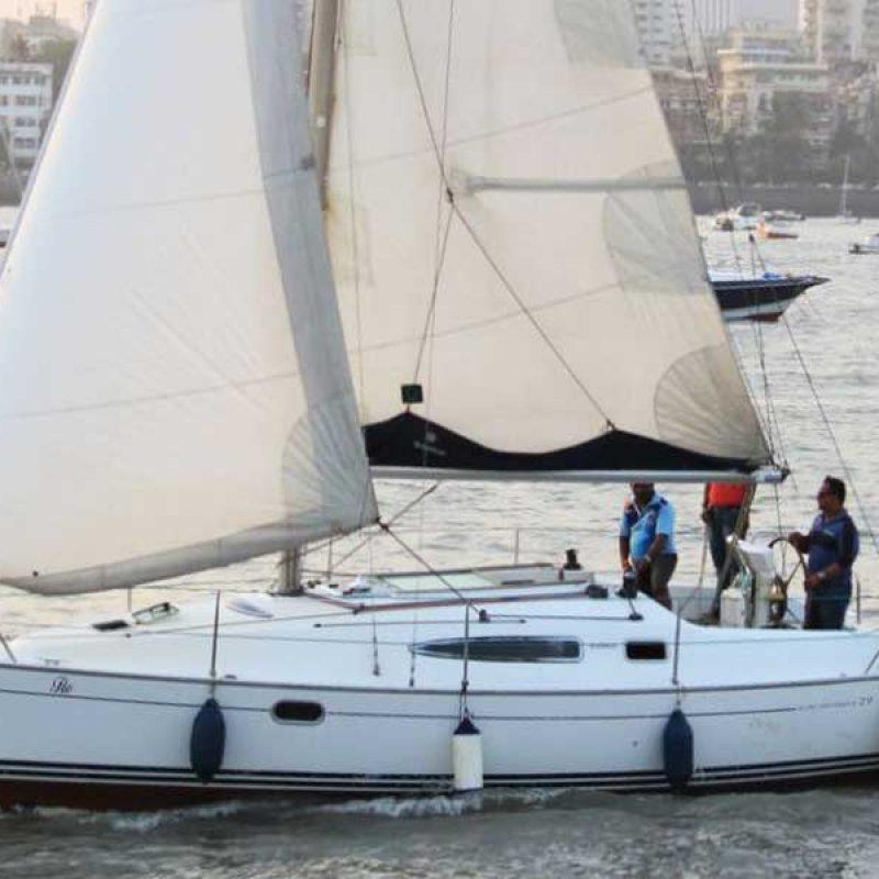 Sailing at Gateway of India, Mumbai (Jeanneau 29 Yacht)