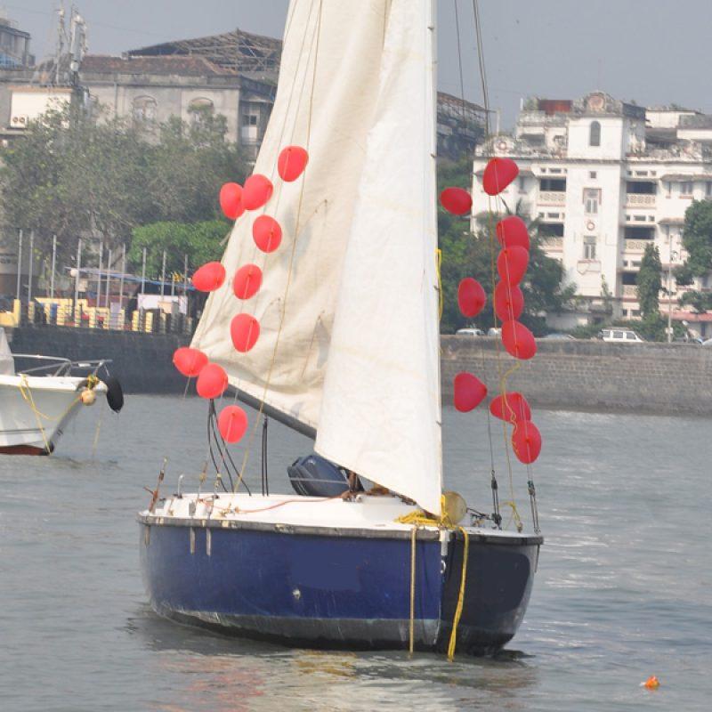 Sailing at Gateway of India, Mumbai (Seabird Sailboat) - Balloon Decoration