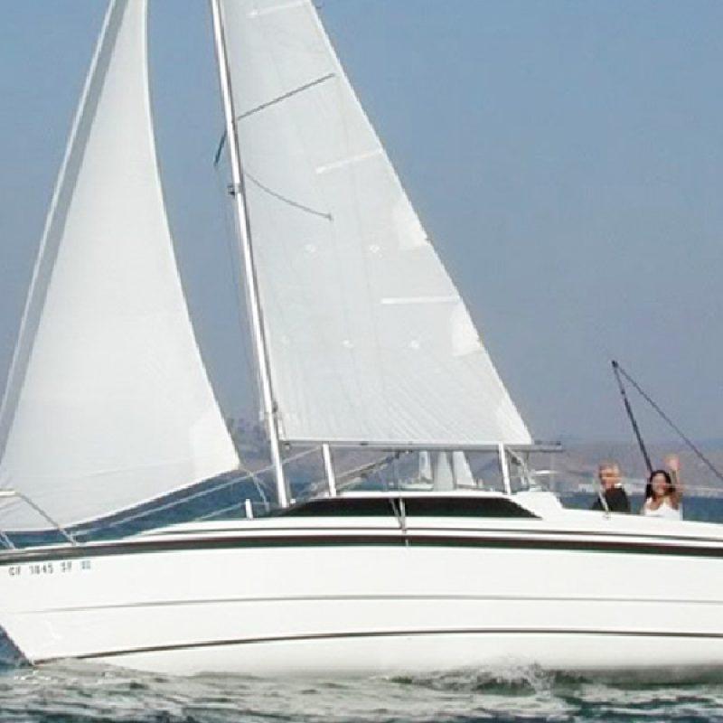 Yacht Sailing in Mumbai at Gateway of India. Macgregor 26 Yacht